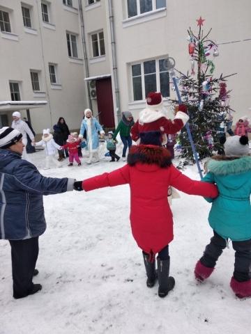 Дед Мороз и Снегурочка в Витебске на улице