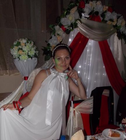 ведущая на свадьбу в клубе Мега