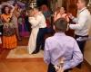 Тамада проводит конкурс на свадьбе
